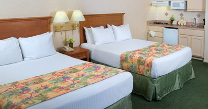 Old Town Inn Deluxe Studio with 1 Queen or 2 Queen Beds & Kitchenette